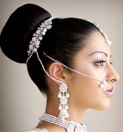5 Stunning Indian Wedding Hairstyles For Medium Length Hair – My Inside Indian Bridal Hairstyles For Medium Length Hair (View 2 of 15)