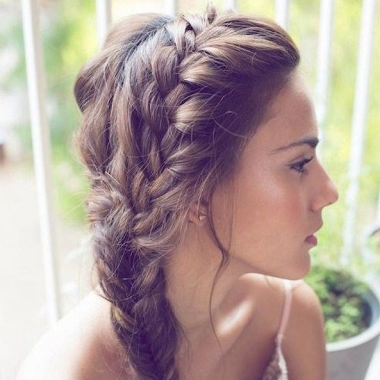 50 Hairstyles For Bridesmaids: Wedding Inspiration Throughout Wedding Hairstyles For Medium Hair For Bridesmaids (View 3 of 15)