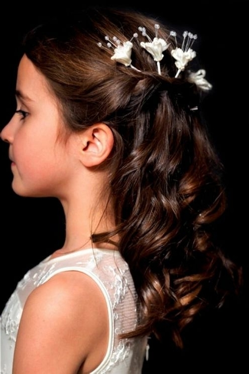 7 Best Communion Images On Pinterest | Communion Hairstyles, Flower Within Wedding Hairstyles For Young Bridesmaids (View 7 of 15)