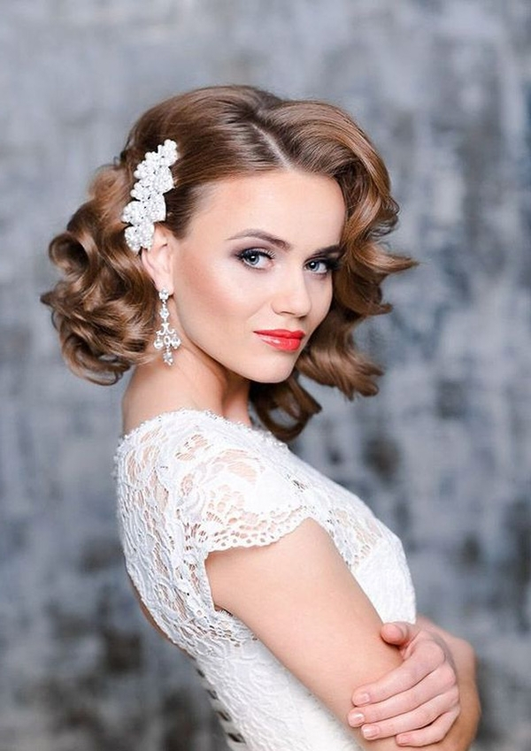 7 Medium Length Hairstyles Perfect For Your Wedding With Regard To Shoulder Length Wedding Hairstyles (View 3 of 15)