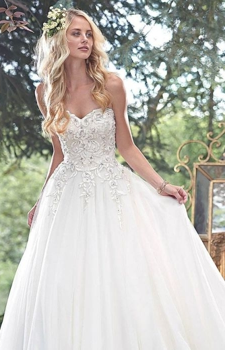 73 Unique Wedding Hairstyles For Different Necklines 2017 In Wedding Hairstyles For A Strapless Dress (View 3 of 15)