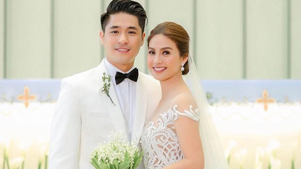 8 Things We Loved About Kaye Abad's Wedding | Preview Throughout Wedding Entourage Hairstyles (View 9 of 15)