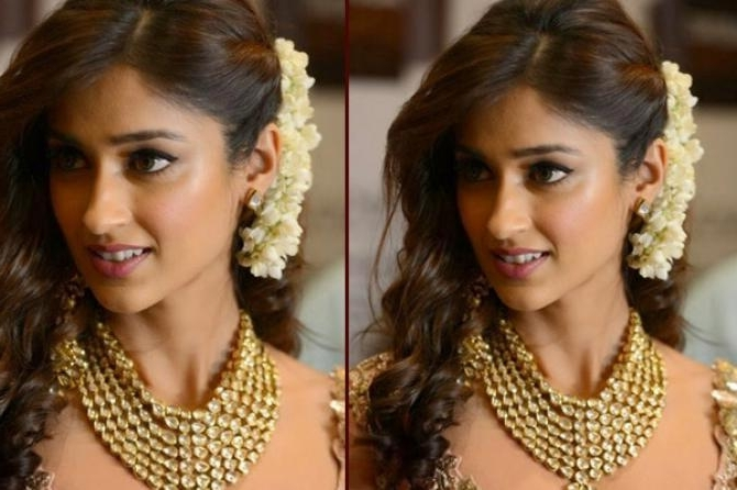 8 Ways In Which A Bride Can Rock It With Open Hairstyles On Her In Wedding Hairstyles For Open Hair (Gallery 5 of 15)