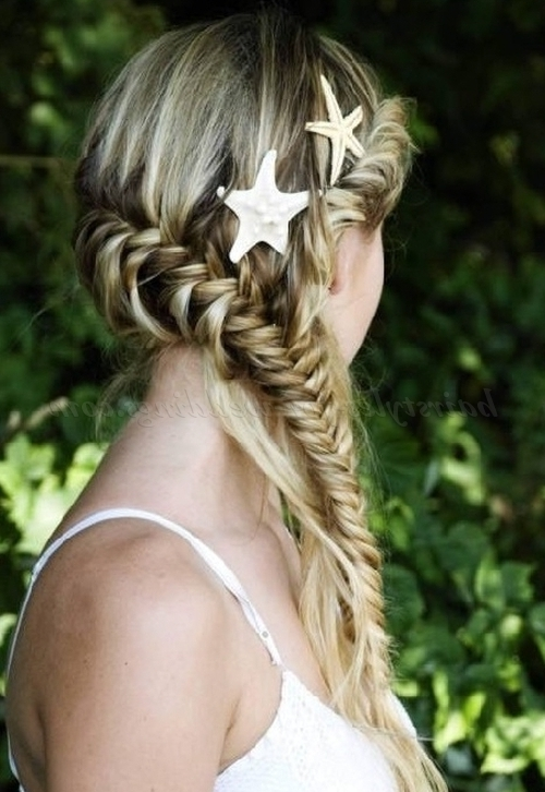 Beach Wedding Hairstyles – Beach Wedding Hairstyle | Hairstyles For Regarding Beach Wedding Hairstyles For Bridesmaids (View 1 of 15)