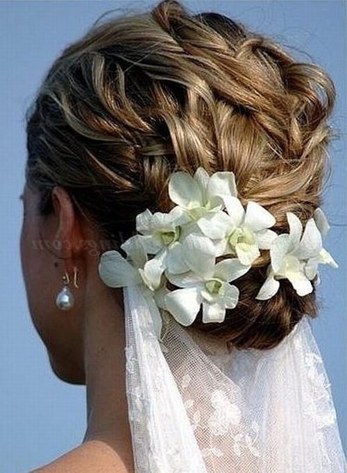 Beach Wedding Hairstyles – Bridal Updo For Beach Weddings Regarding Beach Wedding Hairstyles For Bridesmaids (View 13 of 15)