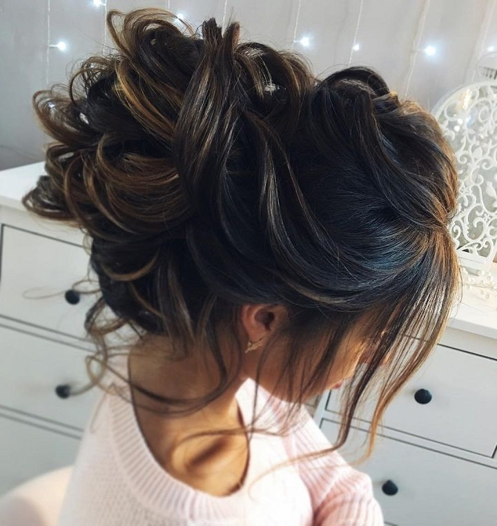 Featured Photo of Messy Wedding Hairstyles For Long Hair