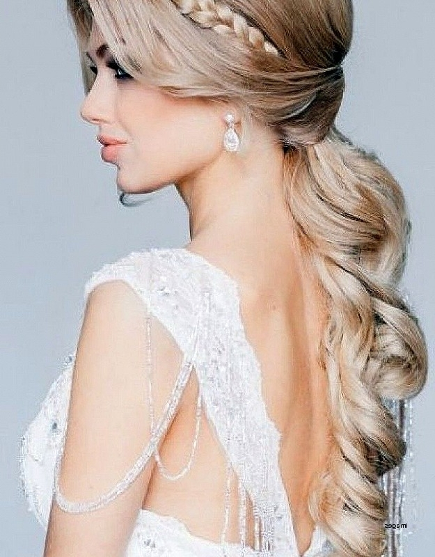 Best Of Curly Wedding Hairstyles For Medium Length Hair Curly Intended For Wedding Hairstyles For Shoulder Length Curly Hair (View 4 of 15)