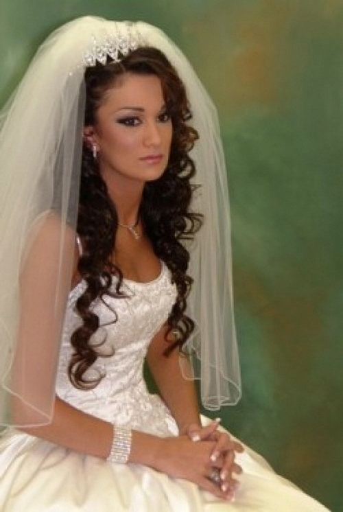 Black Long Curly Wedding Hairstyles With Tiara And Veil Images – New Inside Wedding Hairstyles With Tiara And Veil (View 5 of 15)