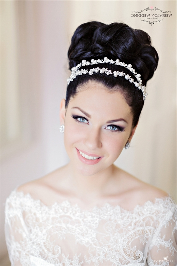 Black Topknot Wedding Hairstyle With Pearls Crown | Deer Pearl Flowers Intended For Wedding Hairstyles With Crown (View 6 of 15)