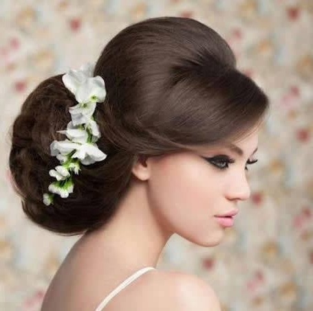 Bridal Hairstyles: Elelgant Bridal Bun | Easy Weddings Uk Pertaining To Wedding Bun Hairstyles (View 8 of 15)