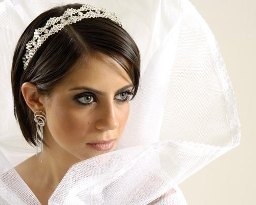 Bridal Hairstyles For Short Hair With Tiara – Di Candia Fashion Intended For Wedding Hairstyles For Short Hair With Veil And Tiara (View 3 of 15)