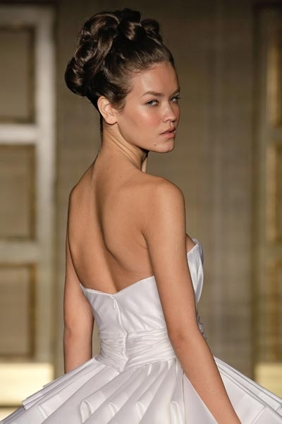 Chic Chignons For Audrey Hepburn Inspired Bridal Hairstyles With Regard To Audrey Hepburn Wedding Hairstyles (View 8 of 15)