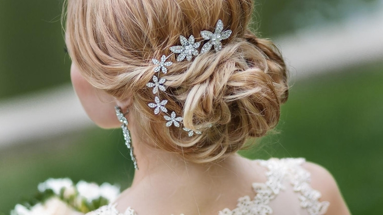 Choosing The Perfect Hairstyle To Match Your Wedding Dress – Al Regarding Wedding Hairstyles To Match Your Dress (View 11 of 15)