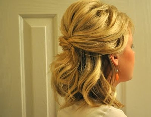 Cool Quick Half Hairstyle For Medium Length Thick Hair | Medium Hair Inside Half Up Half Down Wedding Hairstyles For Medium Length Hair (View 5 of 15)