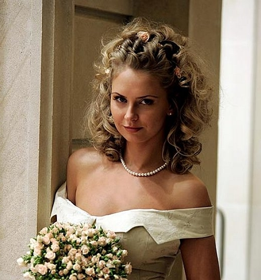 Cute Hairstyles For Medium Length Curly Hair For Wedding For Bridal Hairstyles For Medium Length Curly Hair (View 11 of 15)