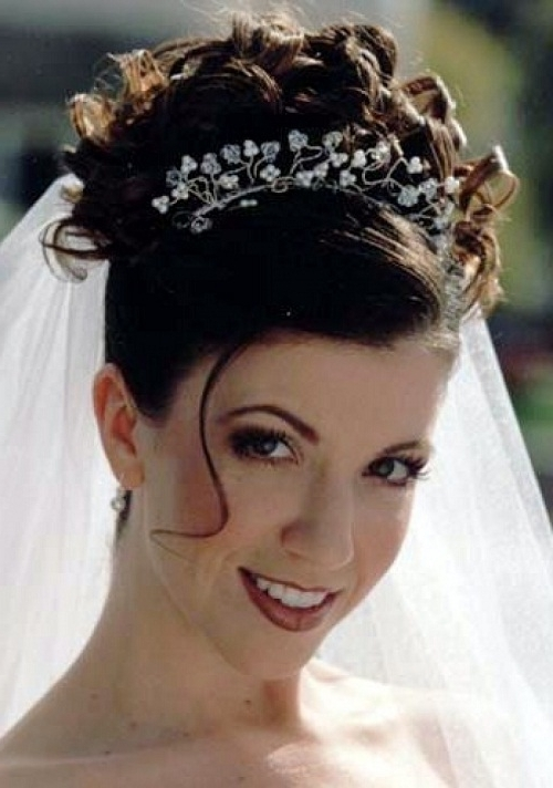 Cute Wedding Hairstyles For Shoulder Length Hair With Veil – New In Wedding Hairstyles For Shoulder Length Hair With Tiara (View 4 of 15)