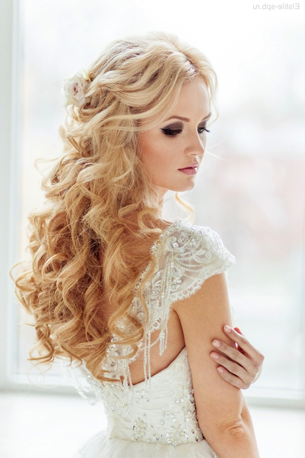 Down Curly Wedding Hairstyle For Long Hair 10 | Deer Pearl Flowers For Wedding Hairstyles For Long Down Curls Hair (Gallery 6 of 15)
