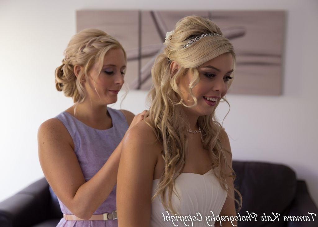 ? 24+ Lovely Wedding Hairstyles For Bridesmaids: Bridesmaid Beach With Regard To Beach Wedding Hair For Bridesmaids (View 13 of 15)