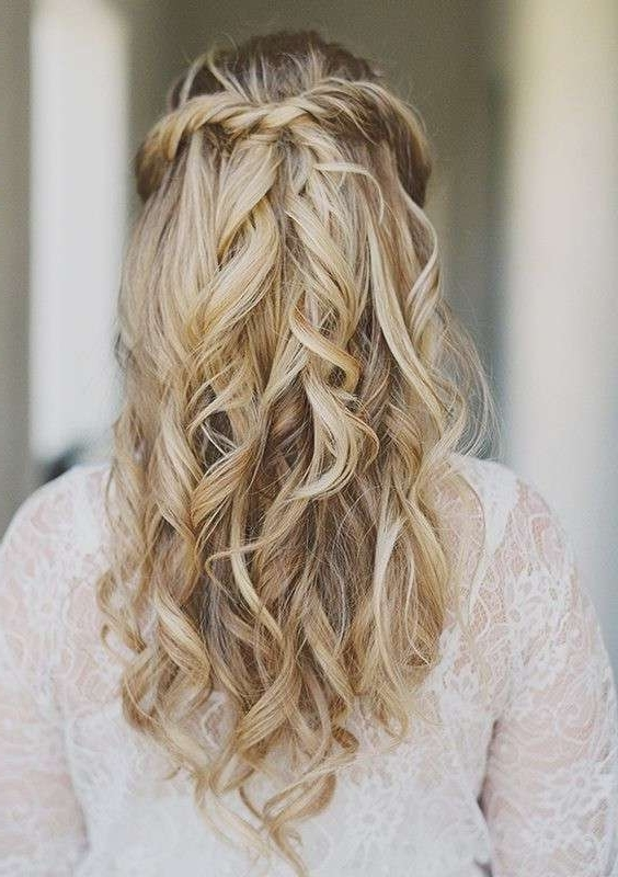 Easy Hairstyles For Weddings Inspirational 17 Best Ideas About With Simple Wedding Hairstyles (View 8 of 15)