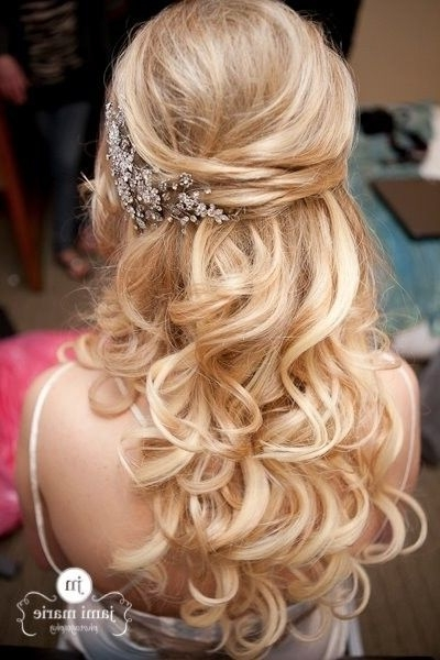 Elegant Wedding Hairstyles: Half Up Half Down | Tulle & Chantilly Throughout Curls Up Half Down Wedding Hairstyles (View 6 of 15)
