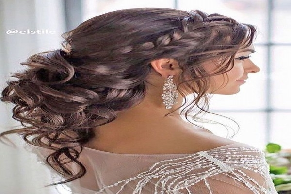 Elegantly Tied Up Bun With Bouncy Top | Wedding Hairstyles . (View 13 of 15)