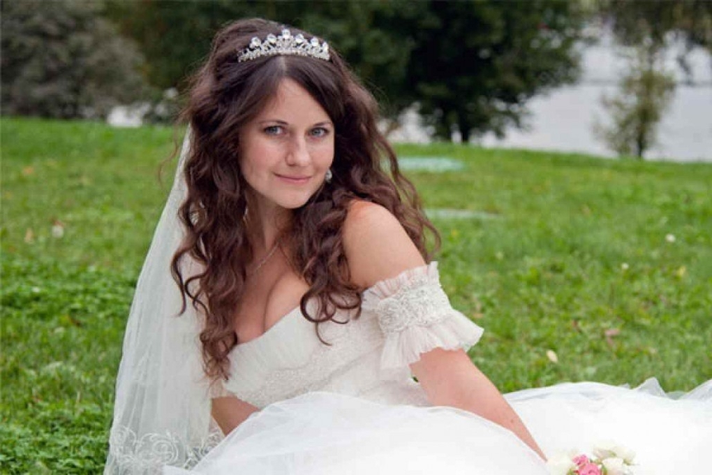 Emejing Wedding Hairstyles With Tiara And Veil Contemporary – Styles With Wedding Hairstyles For Long Hair With Veils And Tiaras (View 4 of 15)