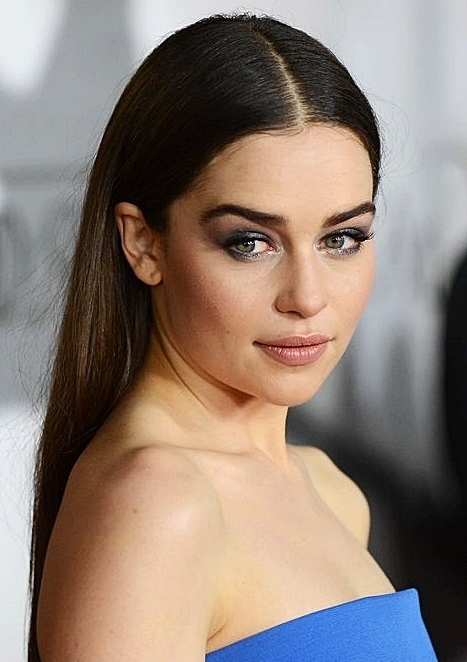 Emilia Clarke's Middle Part Long Hairstyle – Wedding, Casual, Party For Middle Part Wedding Hairstyles (View 14 of 15)