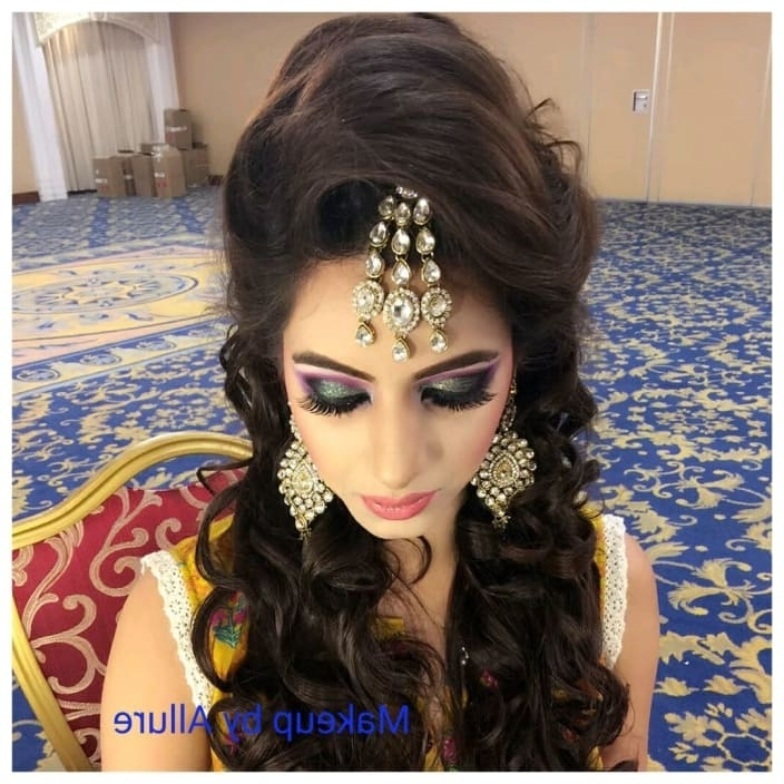 Engagement Makeup Ideas For Dulhans Throughout Wedding Engagement Hairstyles (View 6 of 15)