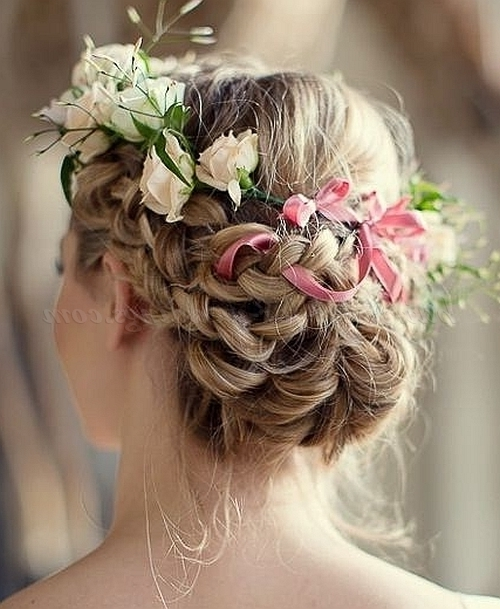 Floral Hair Pieces For Brides – Short Wedding Hairstyle With Flowers Within Wedding Hairstyles With Flowers (View 8 of 15)