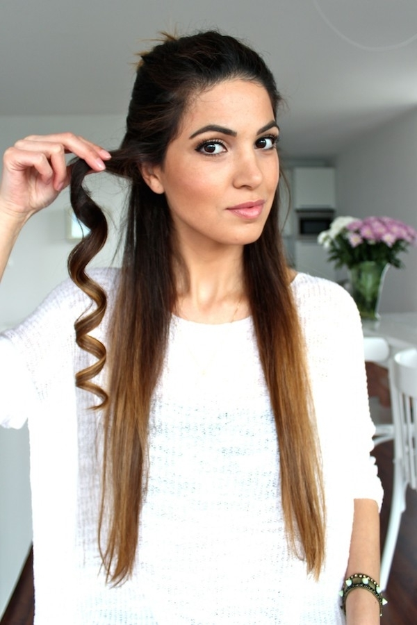 Hairstyle Favourites: Soft Loose Curls Wedding Hair Tutorials With Wedding Hairstyles For Long Loose Curls Hair (View 6 of 15)
