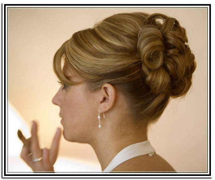 Hairstyle For Medium Length Hair For A Wedding Pics | Totally Throughout Wedding Hairstyles For Mid Length Hair With Fringe (View 11 of 15)