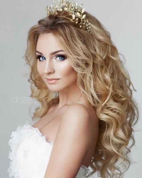 Hairstyles For Beach Wedding, Beach Bridal Wedding Hairstyles With Beach Wedding Hairstyles (View 13 of 15)