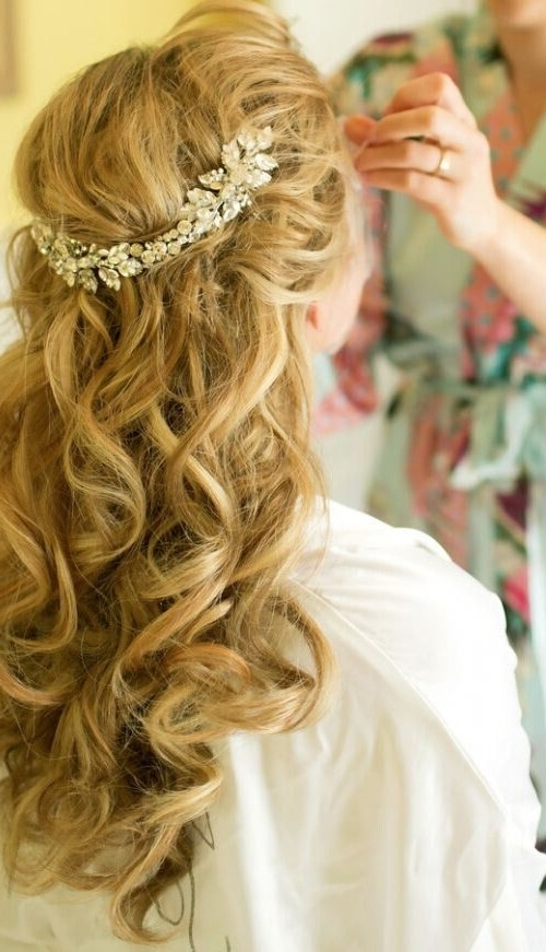 Half Up Half Down Hairstyles For Short Hair | Fashion Blog Pertaining To Wedding Hairstyles For Short Length Hair Down (View 11 of 15)