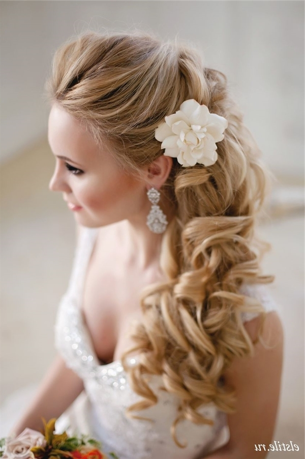 Half Up Half Down Long Cur;ly Wedding Hairstyle With Flower | Deer Within Half Up Half Down With Flower Wedding Hairstyles (View 8 of 15)