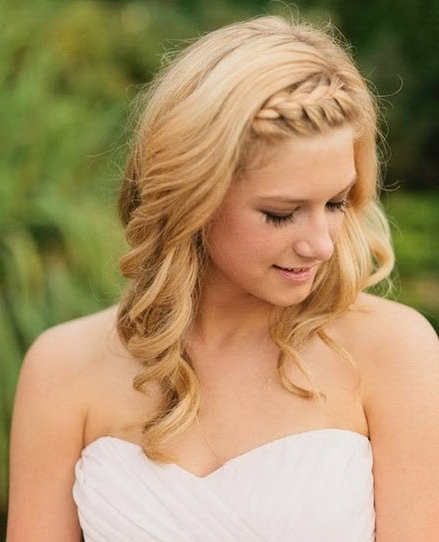 Half Up Half Down Wedding Hairstyles For Medium Length Hair | Ideal Within Down Wedding Hairstyles For Shoulder Length Hair (View 5 of 15)
