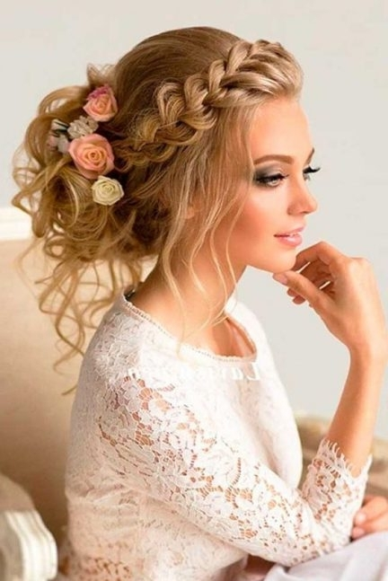 How To Match Your Hairstyle To Your Wedding Dress In Wedding Hairstyles To Match Your Dress (View 4 of 15)