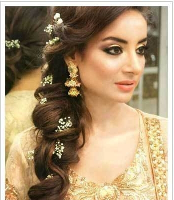 Indian Wedding Hairstyles For Indian Brides Up Dos, Braids, Loose Curls Within Braided Hairstyles For Long Hair Indian Wedding (View 13 of 15)