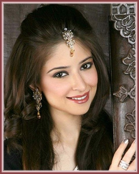 Indian Wedding Hairstyles For Medium Length Hair To Adorn Wedding In Indian Bridal Hairstyles For Shoulder Length Hair (View 8 of 15)