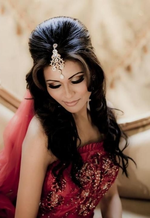 Latest Indian Bridal Wedding Hairstyles Trends 2018 2019 Collection Throughout Wedding Hairstyles For Indian Bridesmaids (View 7 of 15)