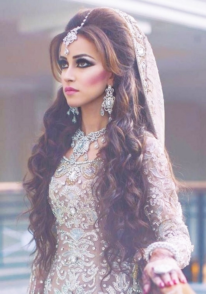 Latest Pakistani Bridal Hairstyles 2017 For Girlslatest Bridal Throughout Pakistani Wedding Hairstyles (View 12 of 15)