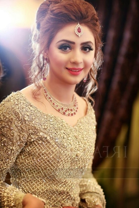 Latest Wedding Hairstyles For Bridals 2017 In Pakistani Wedding Hairstyles (View 8 of 15)