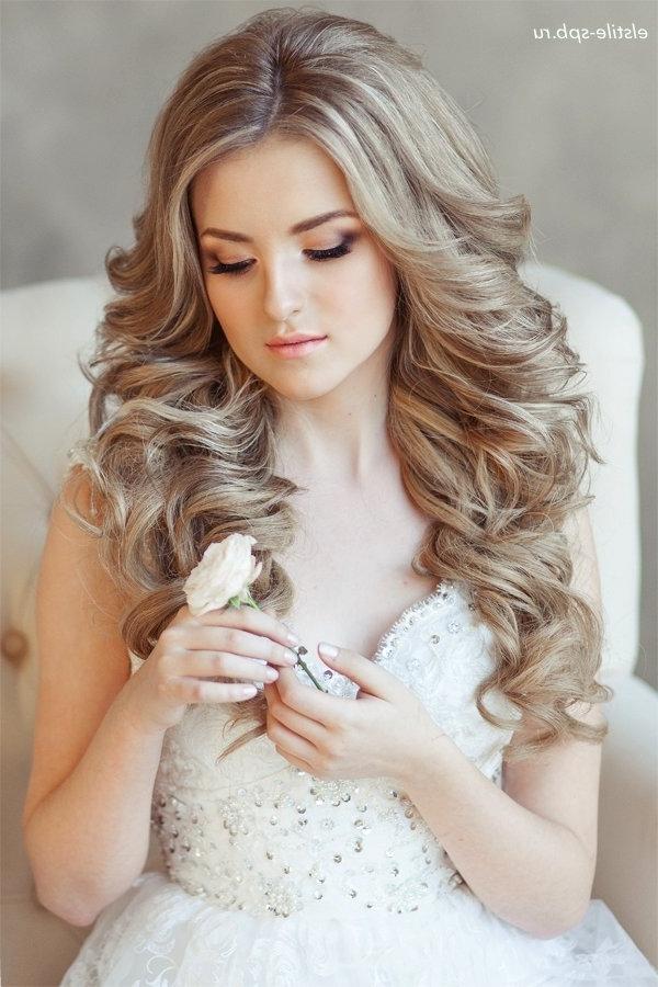 Long Wavy Wedding Hairstyle | Deer Pearl Flowers Within Wedding Hairstyles For Long Wavy Hair (View 8 of 15)