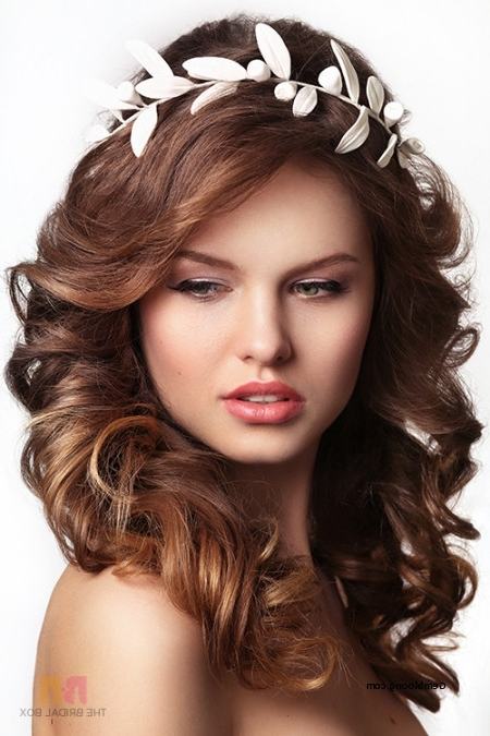 Lovely Wedding Hairstyles For Round Faces 2018 – Csdathletics Inside Wedding Hairstyles For Round Face (View 10 of 15)