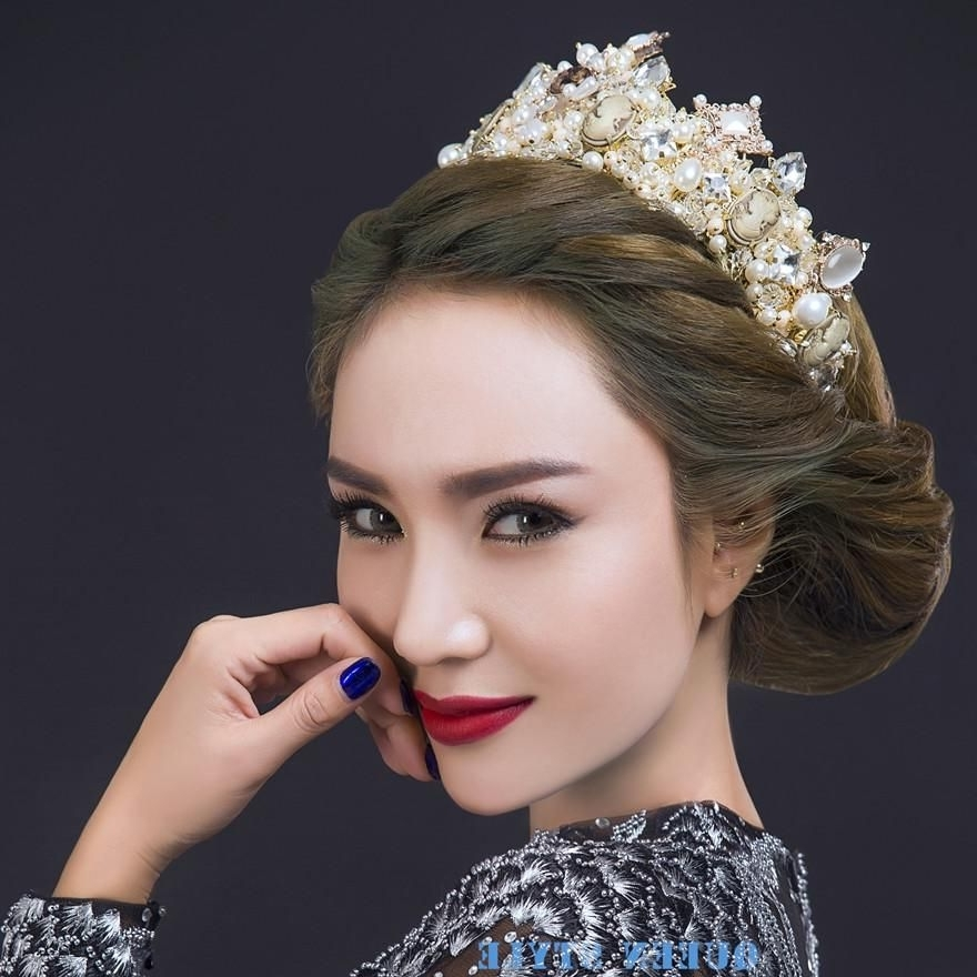 Luxury Wedding Crown Tiaras & Hair Accessories Marilyn Monroe Intended For Wedding Hairstyles With Crown (View 10 of 15)