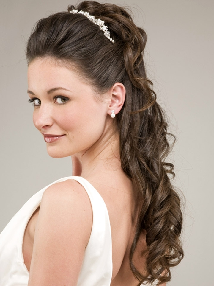 Modern Simple Wedding Hairstyles For Long Hair With 50 Simple Bridal Throughout Simple Wedding Hairstyles For Long Curly Hair (View 10 of 15)