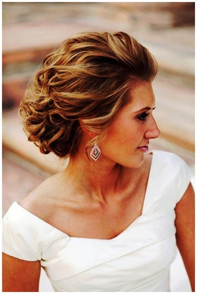 Modern Updos For Medium Length Hair | Latest Hairstyles & Haircuts Within Modern Wedding Hairstyles For Medium Length Hair (View 10 of 15)