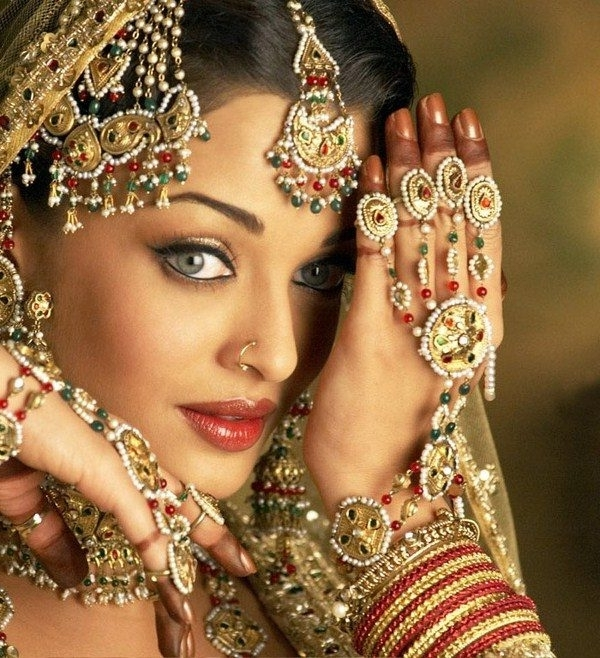 North Indian Bridal Wedding Hairstyle Ideas In North Indian Wedding Hairstyles For Long Hair (View 14 of 15)
