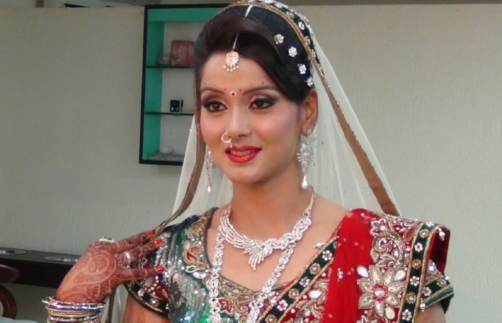 North Indian Bridal Wedding Hairstyle Ideas Within North Indian Wedding Hairstyles For Long Hair (View 2 of 15)