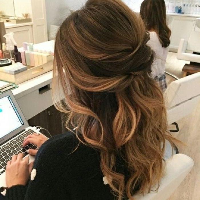 Partial Updo Wavy Wedding Hairstyle | Peinados, Cabello Y Boda Inside Partial Updo Wedding Hairstyles (View 12 of 15)
