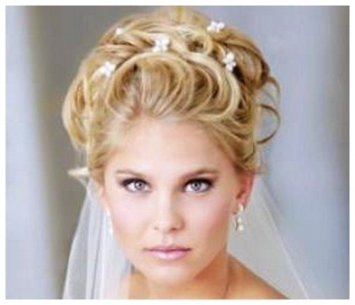 Pics For > Wedding Hairstyles For Short Hair With Tiara And Veil For Wedding Hairstyles For Short Hair With Tiara (View 4 of 15)